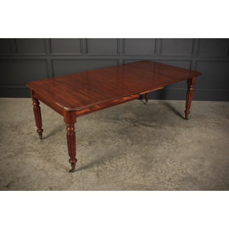 Mahogany 2 Leaf Extending Dining Table