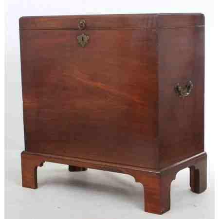 Rare Mahogany Blanket Box 1730