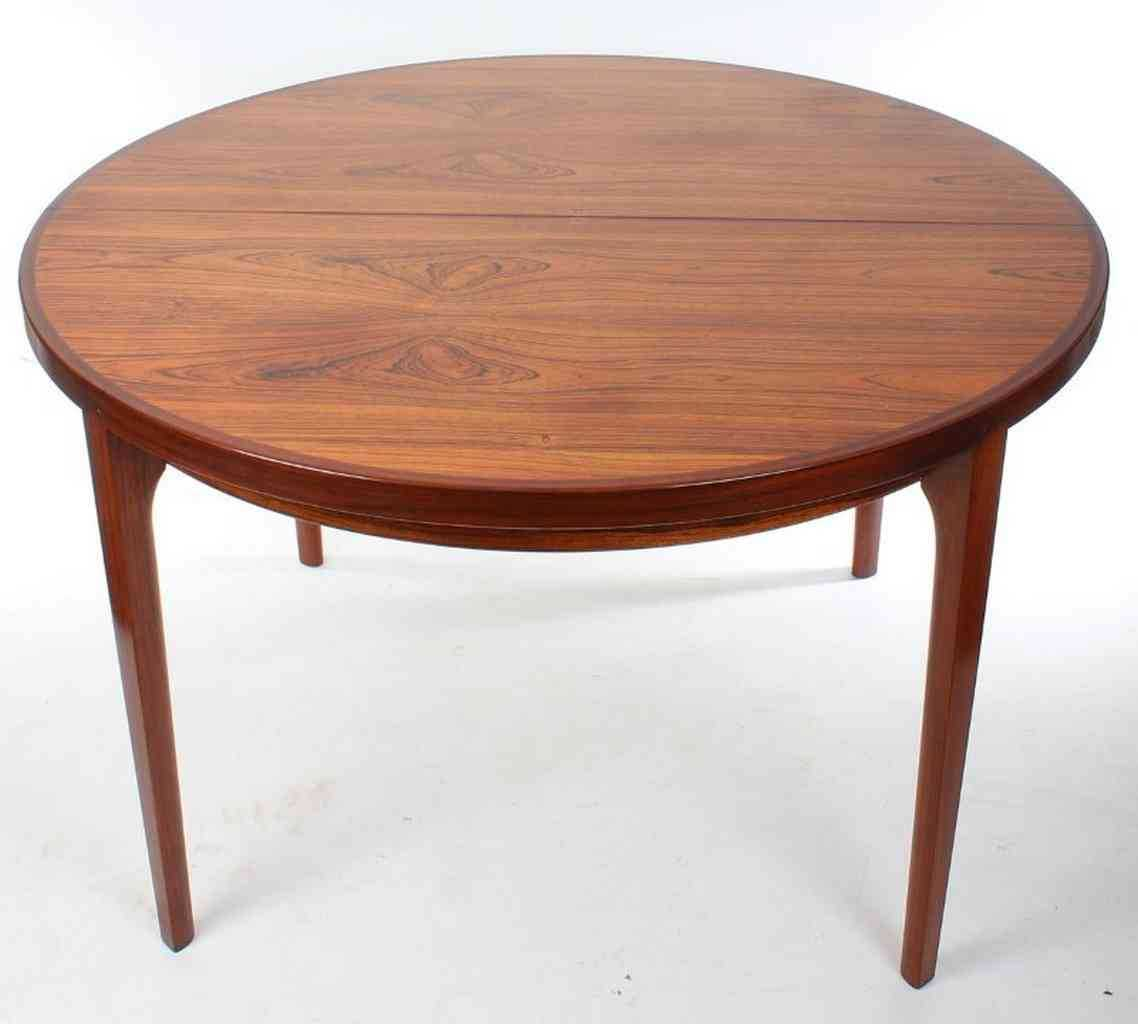Large Round Mahogany Dining Table LT Antiques : IMG6985 from www.ltantiques.co.uk size 800 x 720 jpeg 72kB